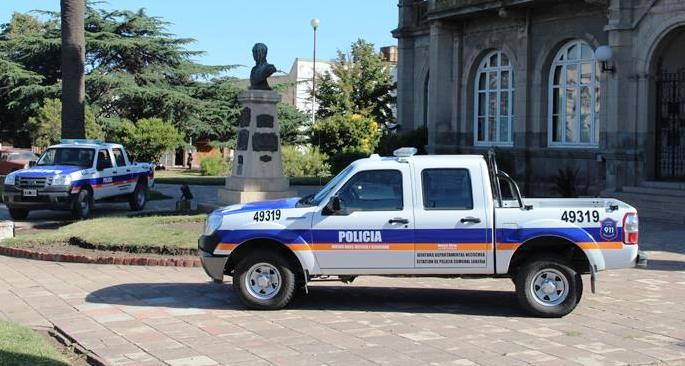 2 nuevos moviles policiales loberia