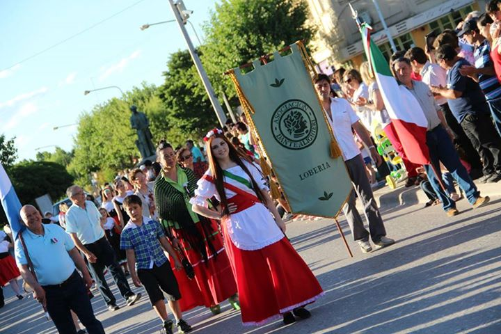 Fiesta colectividades loberia 2014