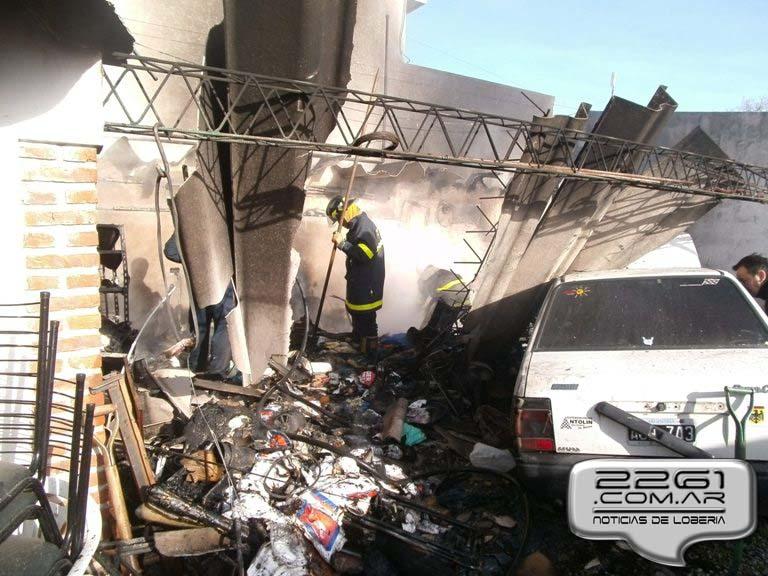 Incendio deposito loberia julio 2014 (1)