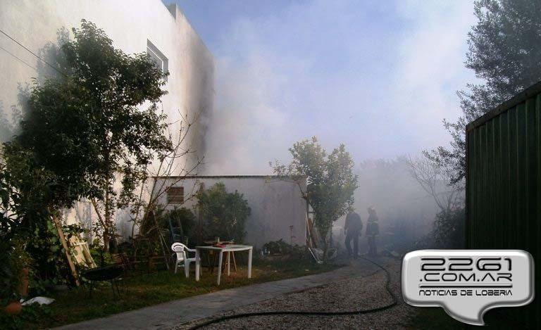 Incendio deposito loberia julio 2014