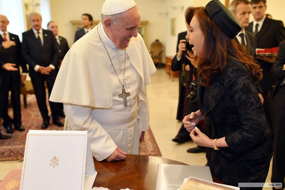 cristina con el papa francisco