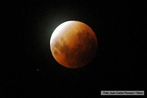 eclipse luna roja