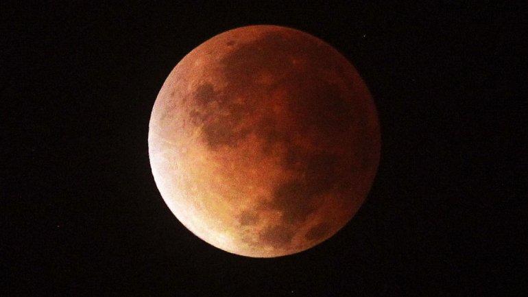 eclipse luna roja2014